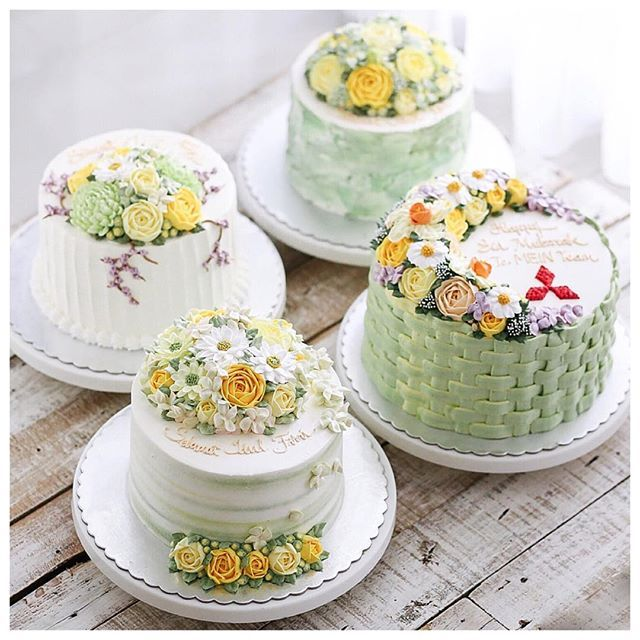Happy eid mubarak cakes. Specially made for your company.