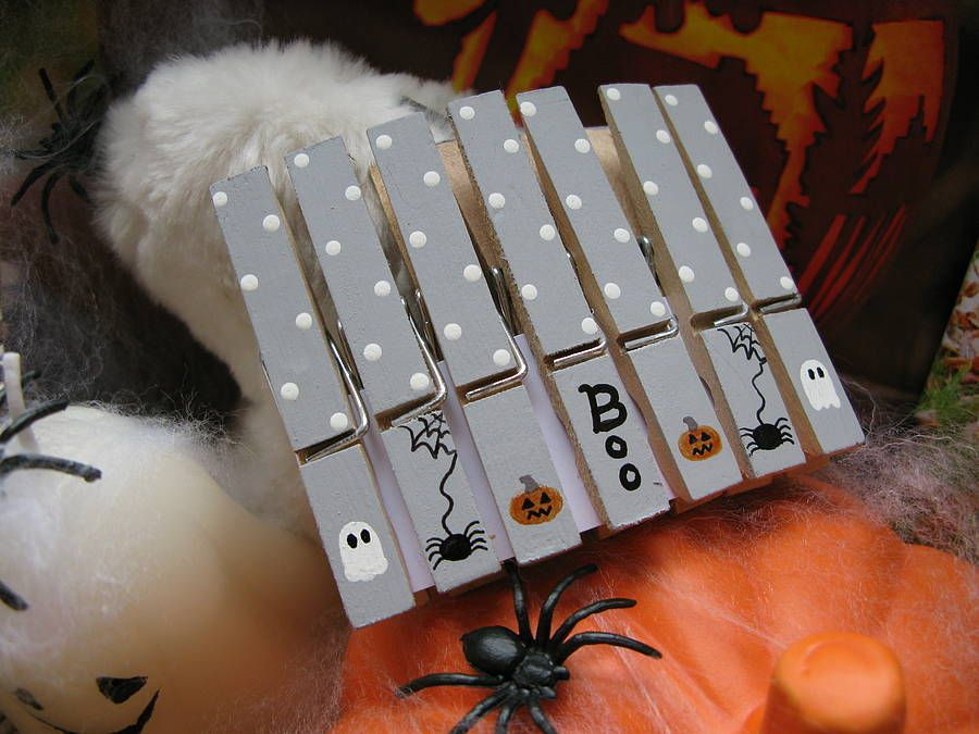 Handpainted Halloween Decoration Pegs Decoration, Craft and Easter - simple halloween decorations to make