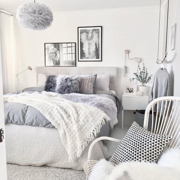 modele de chambre adulte cocooning, linge de lit gris et blanc, jeté ...
