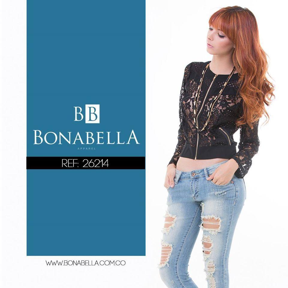 El negro en una combinación juvenil y romántica. Precio: http://bonabella.com.co/producto/chaqueta-26214/