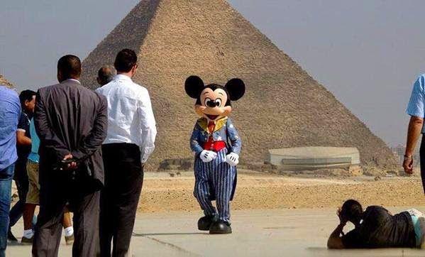 Mei Editor 39 S Blog Disneyland Egypt Egypt Says It 39 S Talking Disneyland Travel And Tourism Theme Park
