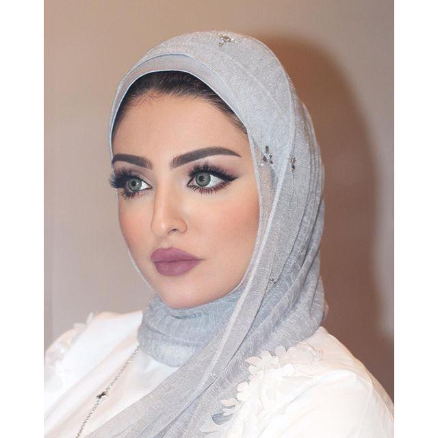53ac3f9b41278 الجمال الكويتي حنان عبدالله Kuwaiti beauty Kuwaiti make-up Artist Hanan  Abdullah Hanan 3bdullah Kuwaiti girls  Kuwaiti Beauty  Kuwaitigirls   middleeast ...