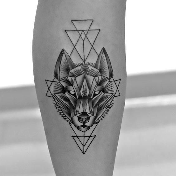 Geometric Wolf Tattoo On The Forearm Style Geometric Color Black Tags Cool Creative Popular Geometric Wolf Tattoo Tattoos Tattoos For Guys