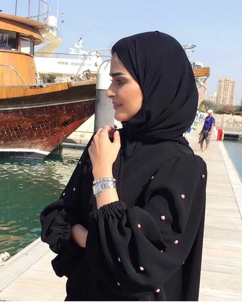 Shared By Subhan Abayas Like Share Tag Repost To Share Your Abaya Design Follow Us In Snapchat Instagram Face Muslim Fashion Outfits Abaya Fashion Fashion