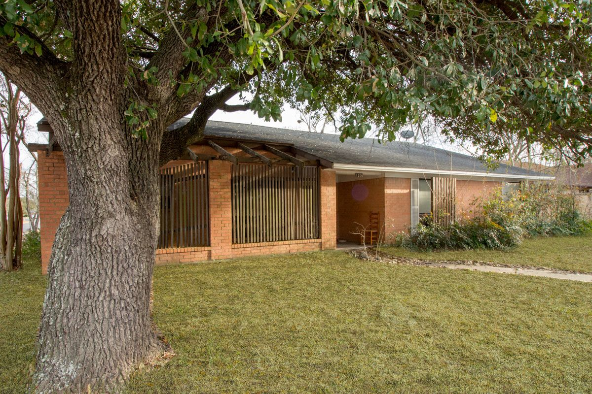 1206 Holleman College Station TX (With images)   Large ...