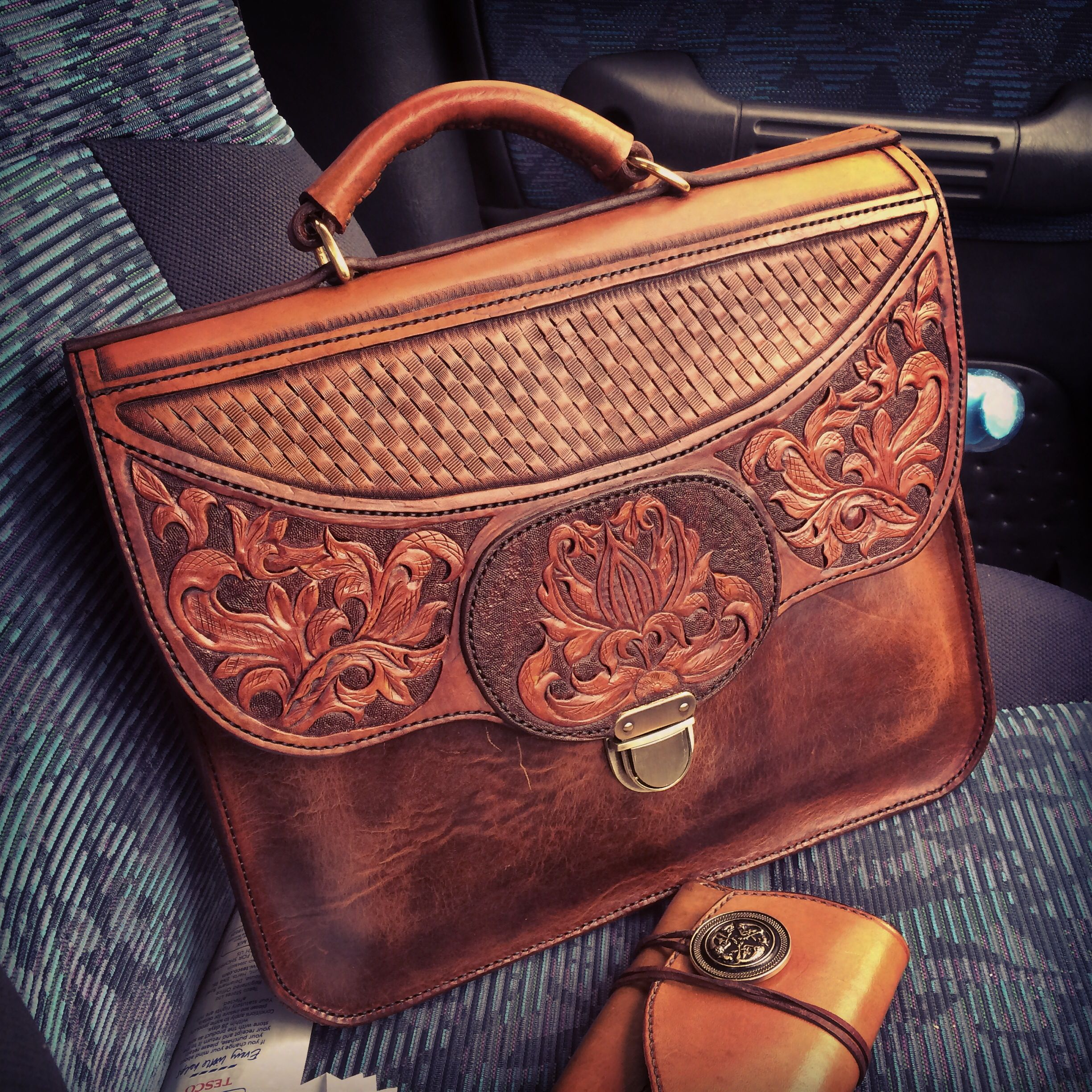 7a2f2bdb0 Fully Tooled Soft-Sided Briefcase/Laptop Bag w/Basket Stamp & Sheridan Style  Flap Design Image