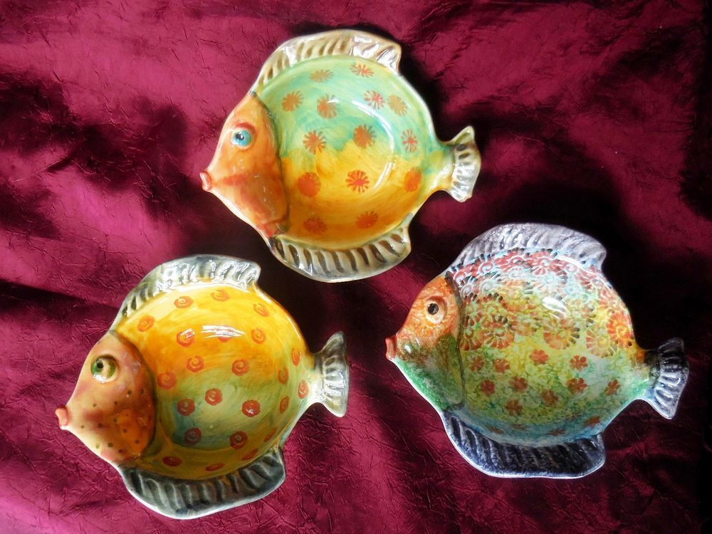 Italica Ars Hand Painted Art Pottery Small Figural Fish