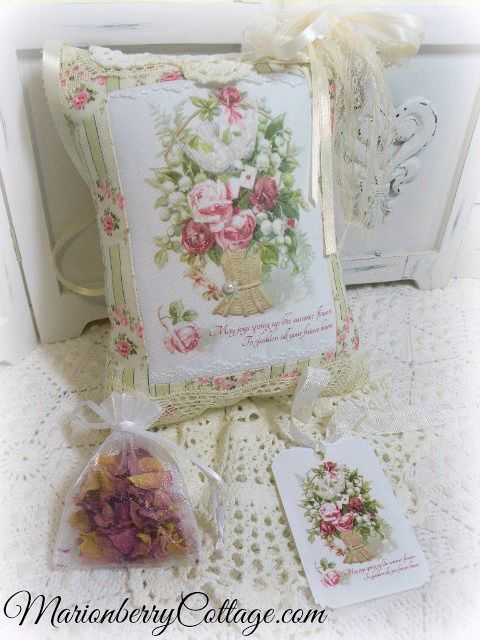 KEEPSAKE Gift Pillow w/matching tag and sachet Roses Quote