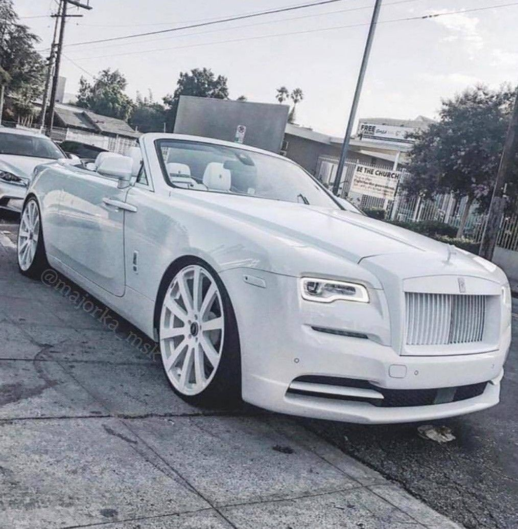 White Rolls Royce Wraith 2016: Triple White Rolls-Royce