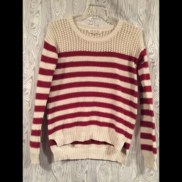 Adorable Sweater Another one of my favorites that dont fit anymore😭 Pink Rose Sweaters Crew & Scoop Necks