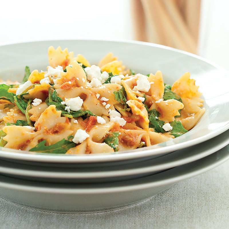 Sun-Dried Tomato, Arugula, and Goat Cheese Pasta: http://ow.ly/dRF55 #pasta #recipes