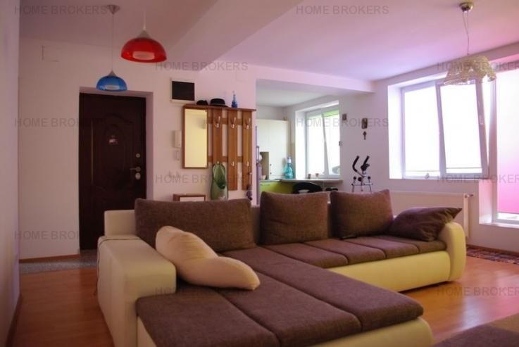 Inchiriere Apartament 2 camere Titan Bucuresti  61 MP, 380 Euro, Semidecomandat, Et 3, An 2010 - Poza anunt 2