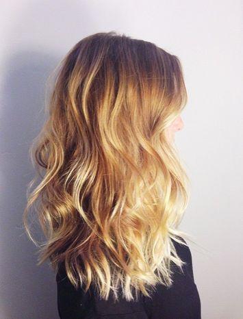 Locken Selber Machen So Machst Du Dir Die Tollsten Beach Waves Ohne Beachwaves Die Dir Du Locken Mach Curly Hair Styles Hair Styles Thick Hair Styles
