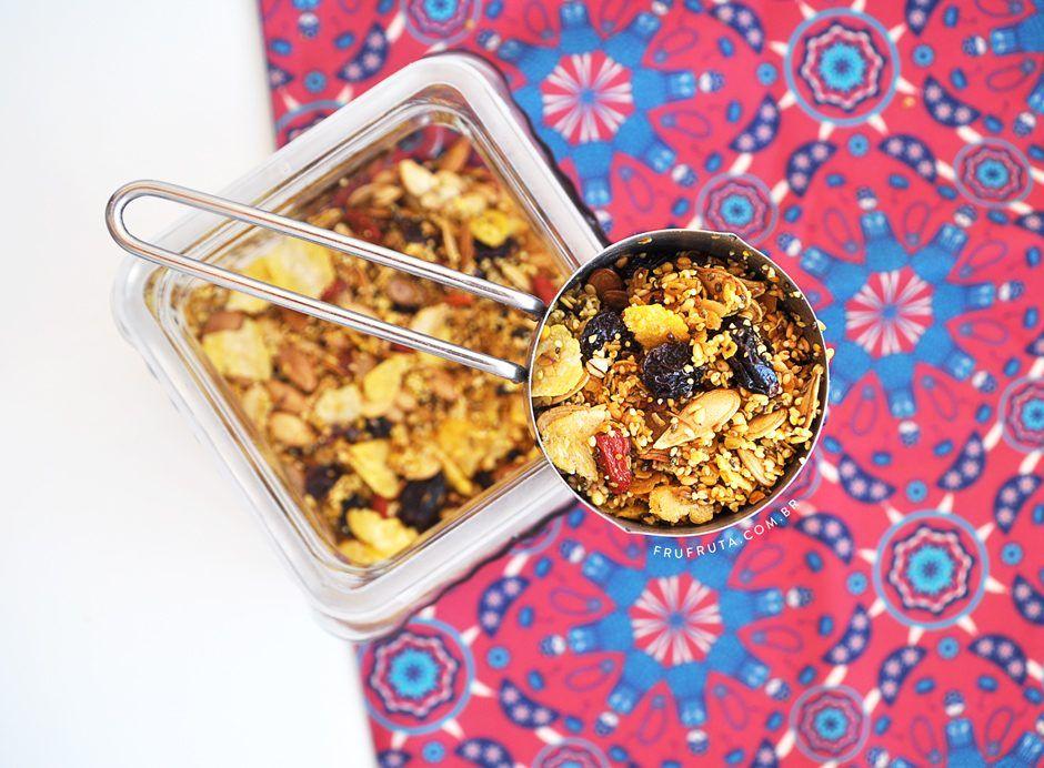 Granola Salgada com Frutas Secas e Cúrcuma - Perfeita para saladas e sopas…