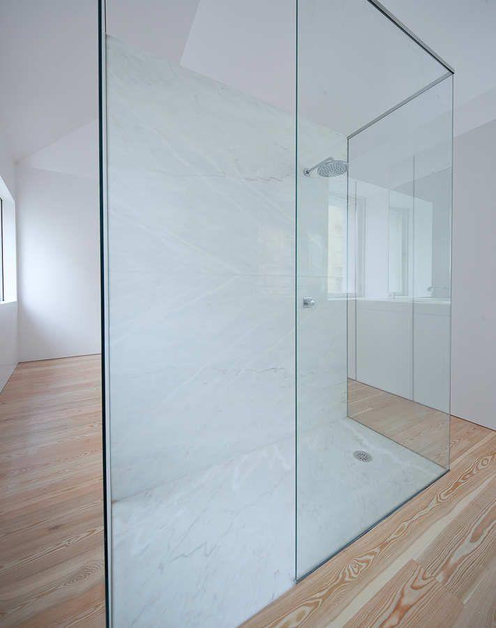 Fonte Da Luz / Barbosa & Guimarães | Shower cabin, Cabin and Bath