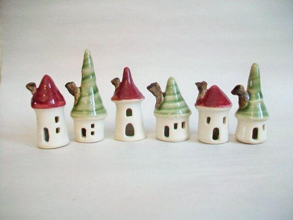 weihnachts mini haus rot und gr n set 6 handgemacht rad. Black Bedroom Furniture Sets. Home Design Ideas