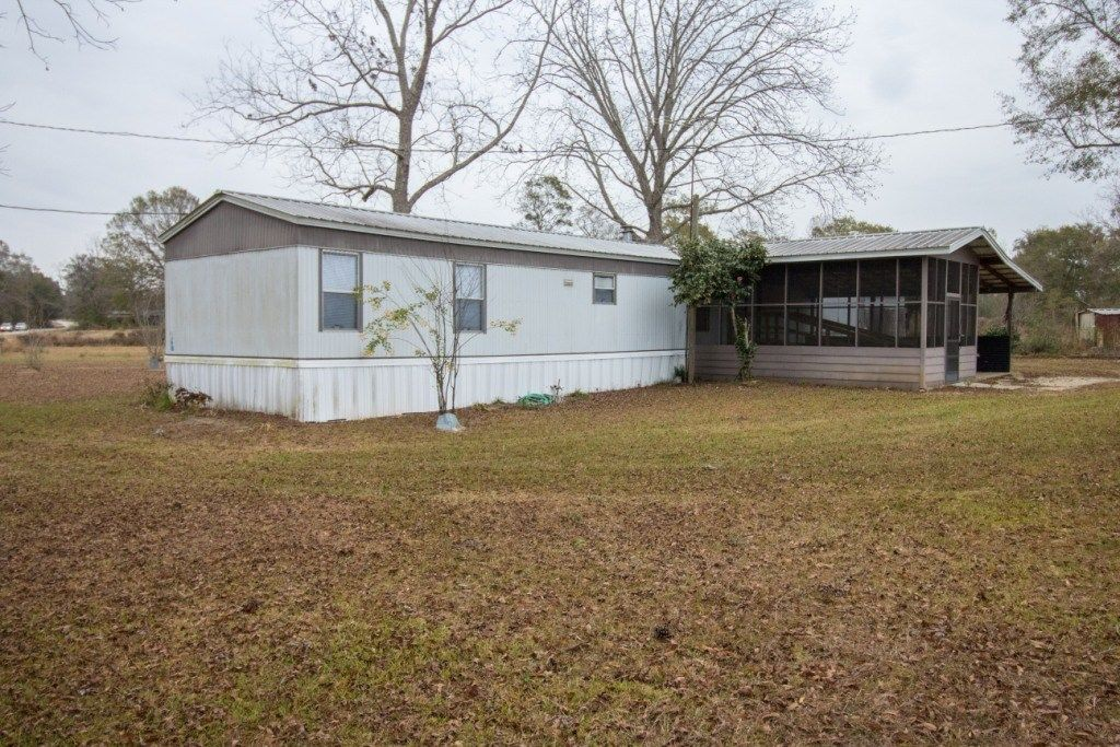 FADETTE MOBILE HOME AND 1.8 ACRES AL COUNTRY
