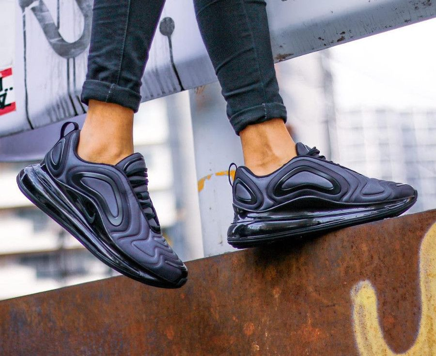 Nike Wmns Air Max 720 Total Eclipse (3) | Streetstyle in