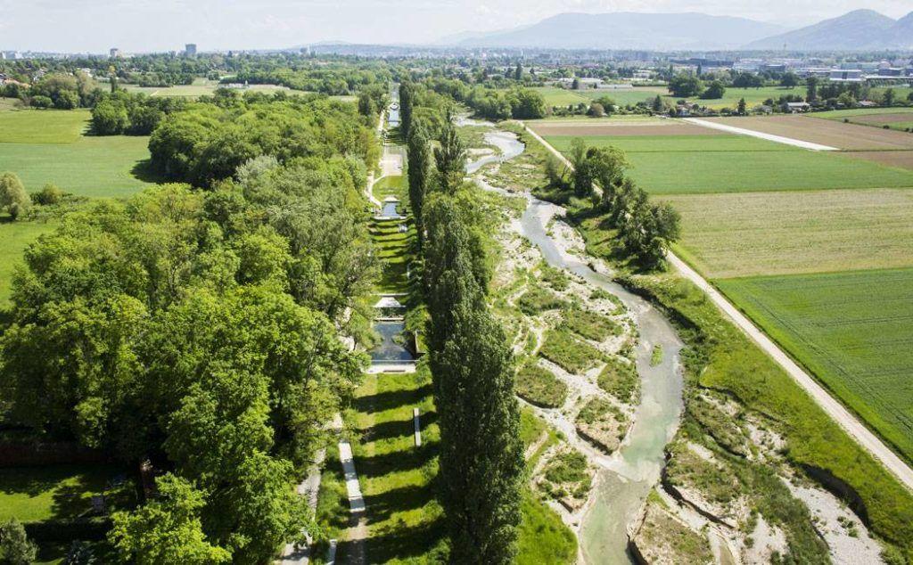 How To Rejuvenate An Abandoned River Landscape Architects Network Landschapsarchitectuur Architectuur Brandweer
