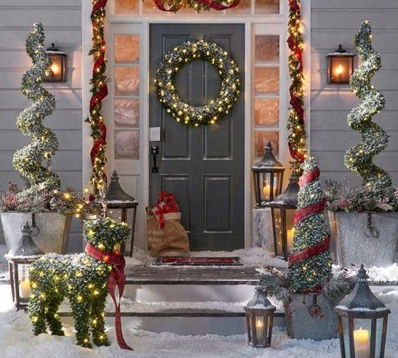 Pin By Vtebbitt On Decoraciones De Navidad Diy Christmas Decorations Easy Christmas Porch Decor Fun Christmas Decorations