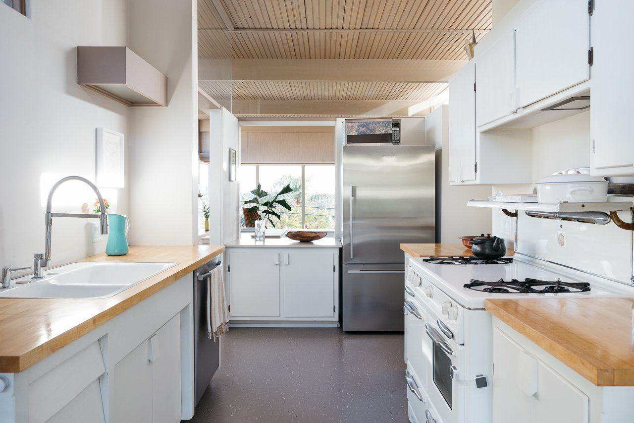 Take A Look At This Mid Century Home Decor That Features A Mid Century Lighting Design Www Delightfull Eu Blog Chic Kitchen Kitchen Design Modern Kitchen