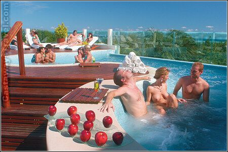 Hawaii erotic honeymoon suites