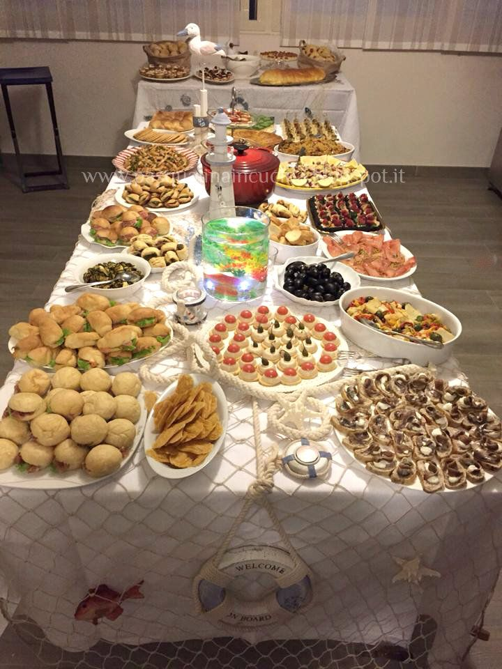 Un altro buffet. Questa volta particolarmente speciale perchè è dedicato a me, al mio compleanno. Realizzavo, qualche giorno fa, di... #buffet
