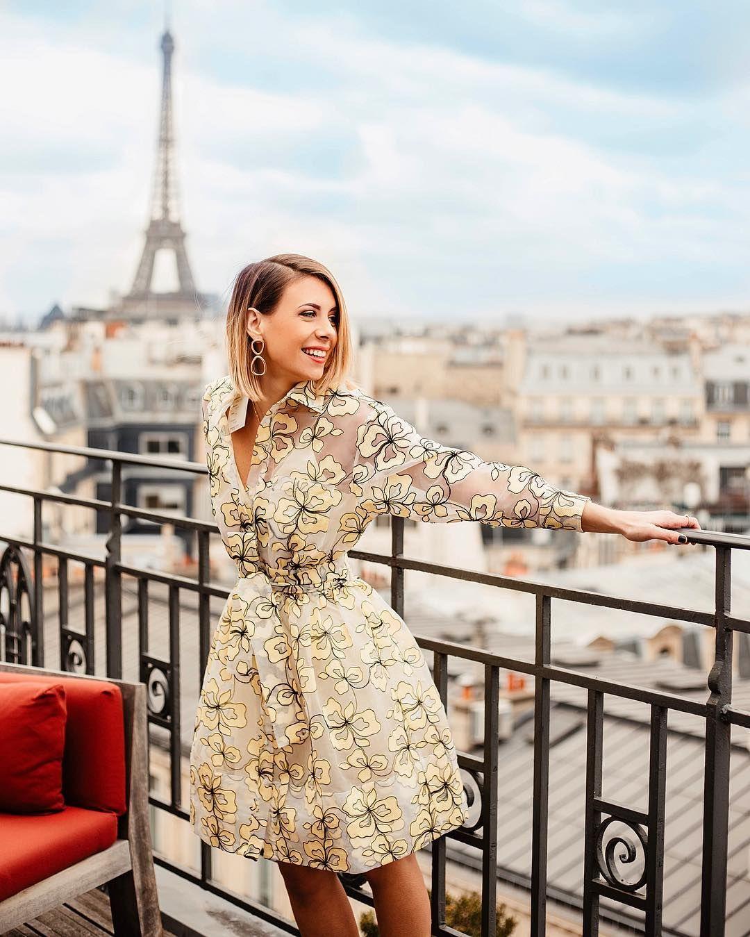 La jolie Sabrina Cesari porte la robe Reality parfaite pour