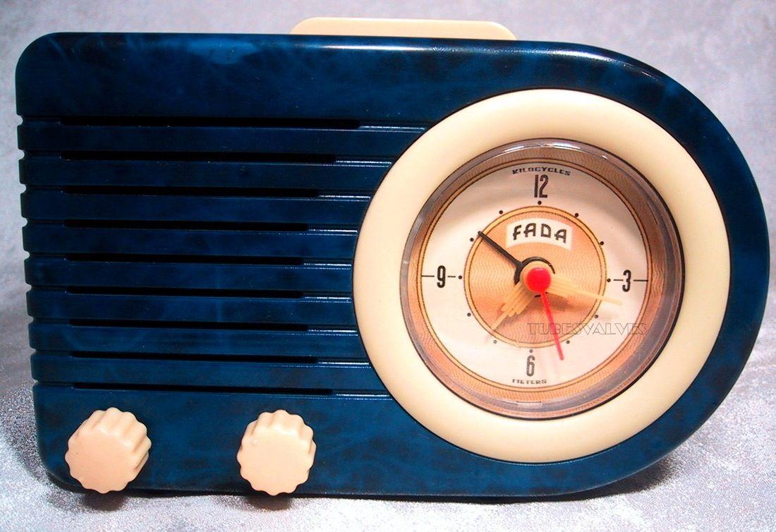 1940s Fada Blue Bakelite Radio