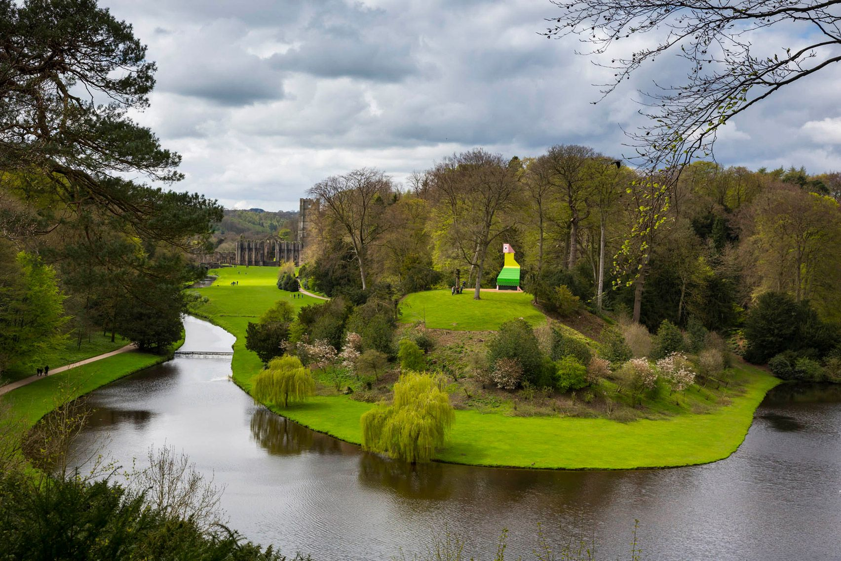 Charles Holland Installs Parrot Like Pavilion In National Trust Garden English Landscape Garden Royal Park Fountains Abbey