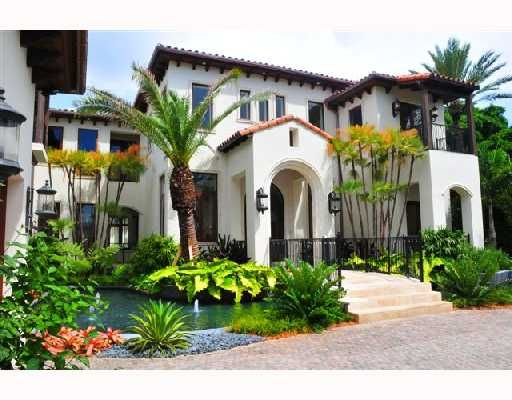 Qrg Is Offering Their Real Estate Services At Very Reliable Places If You Want To Buy Your Dream Place Spanish House Spanish Colonial Homes Looking For Houses