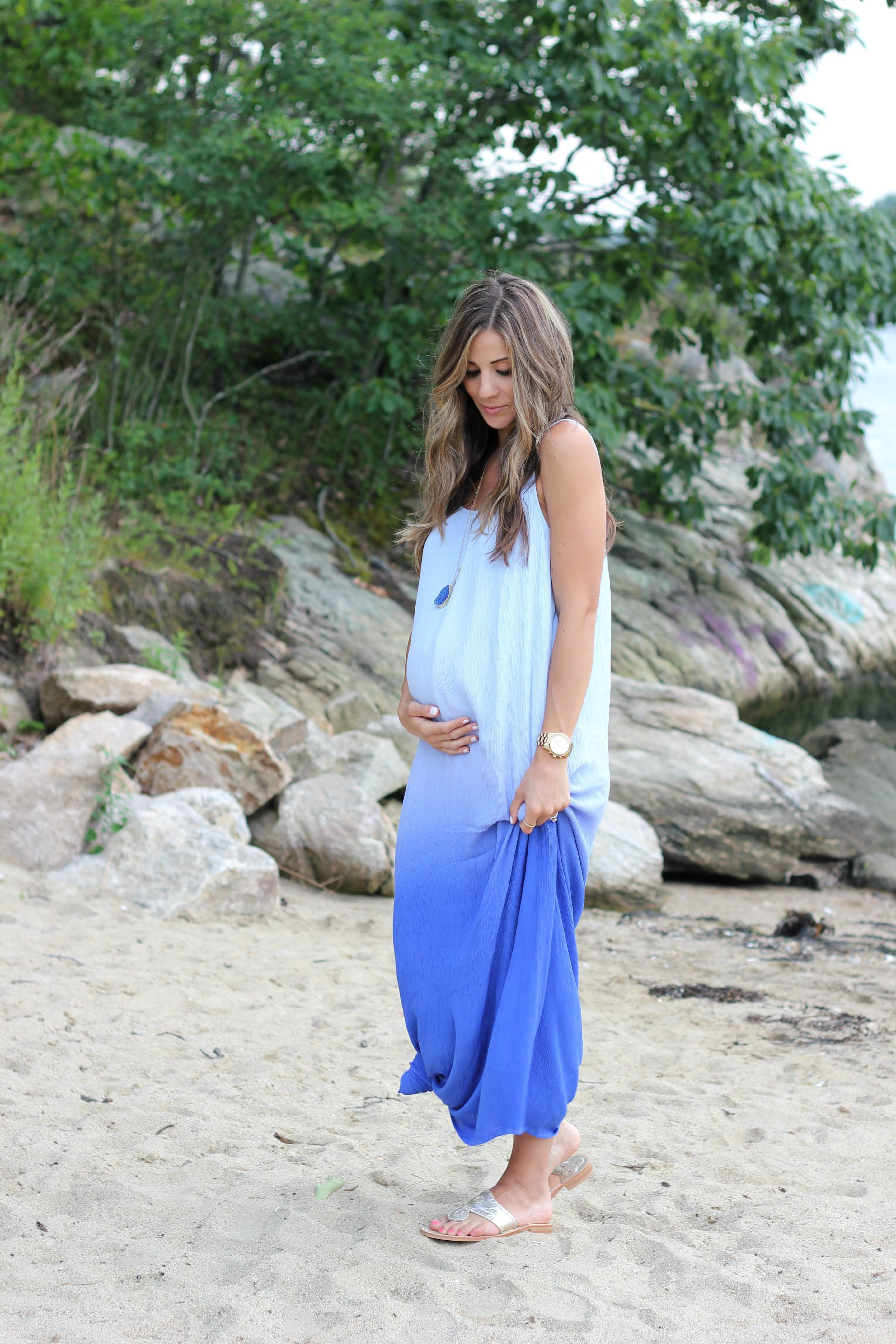 6d8a663f1f Are you looking for the best maternity clothing stores? Lifestyle blogger  Lauren McBride has compiled the perfect maternity clothing store list!