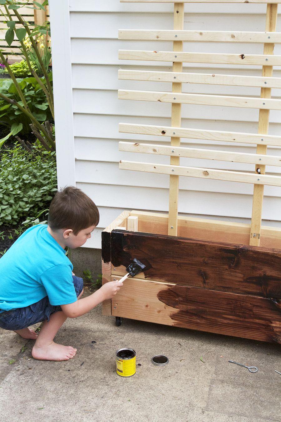 Diy Trellis Planter Box Tutorial Giveaway Diy Trellis 640 x 480