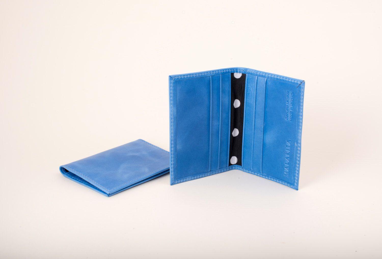 Un favorito personal de mi tienda Etsy https://www.etsy.com/listing/201409273/womens-leather-card-holder-bifold