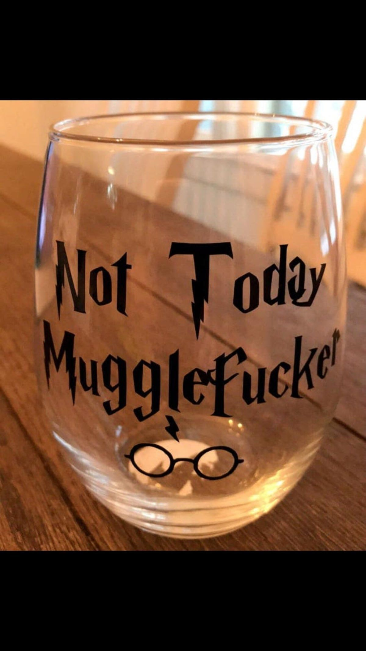 Harry potter Sorting hat design glitter vinyl wine glass personalised any colour