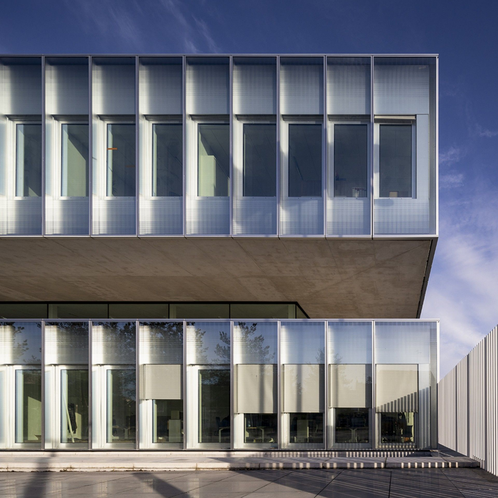 The Kaan And Pranlasdescours Firms Design The New Chambre De Metiers Et De L Artisanat In Lille Floornature Architecture Glass Facades Lille