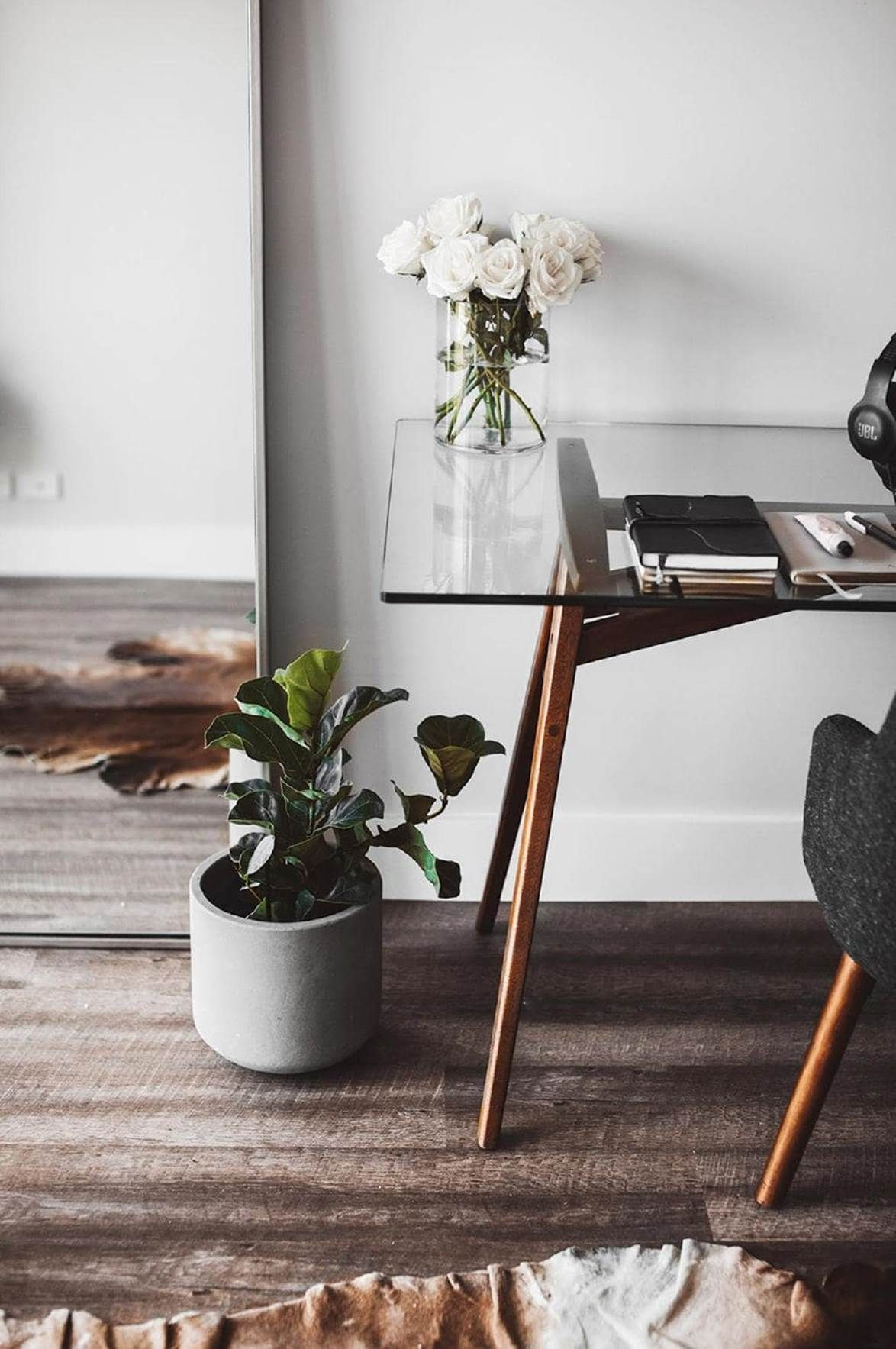 5 Minimalist Home Office Workspace Productivity Boosting Tips