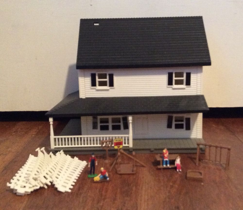 Ertl Farm Country Farm House Set 1 64 Scale No Box 2 Story Home Ebay
