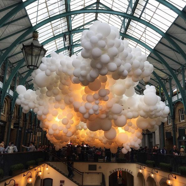 100,000 balloons become a cloud with a heartbeat in London's Covent Garden