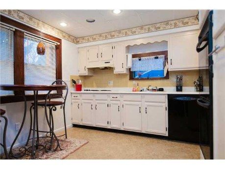 I'm selling my house! I'll miss my breakfast bar table and my wall ovens... :( http://www.realtor.com/realestateandhomes-detail/470-Genesee-Park-Blvd_Rochester_NY_14619_M32653-50911