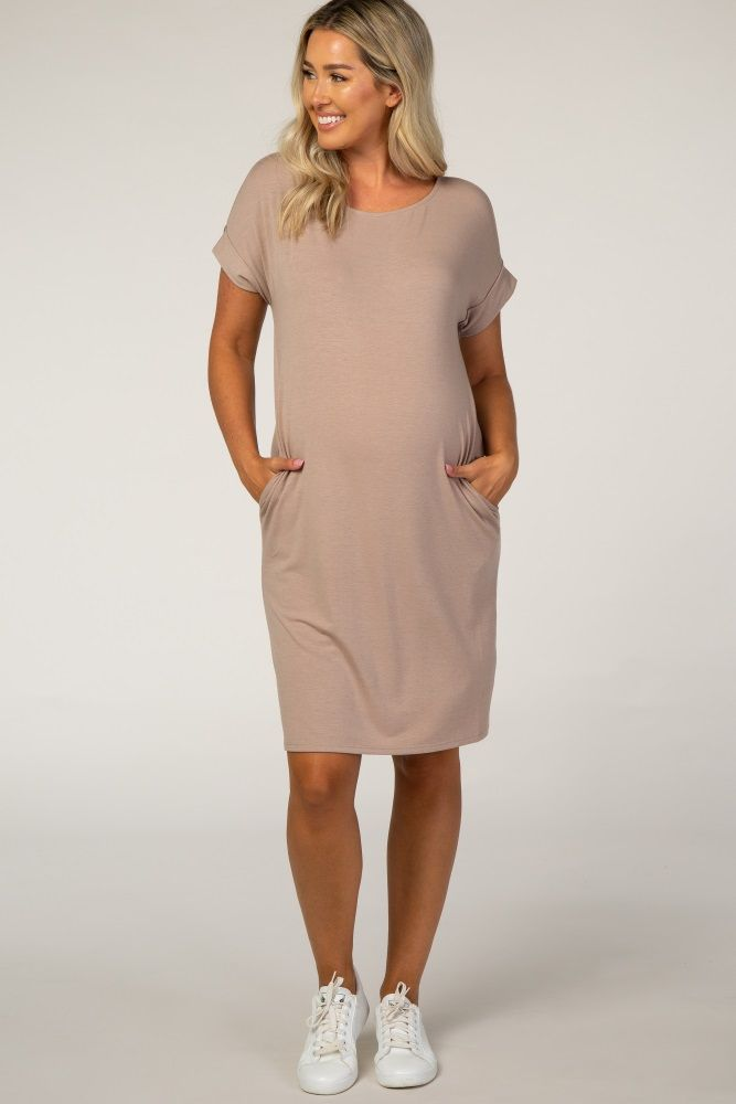 A comfortable & casual maternity dress perfect for any day!  A basic dress with a boat neckline and pockets. The Mocha Boat Neck Maternity Dress is perfectly bump-friendly!