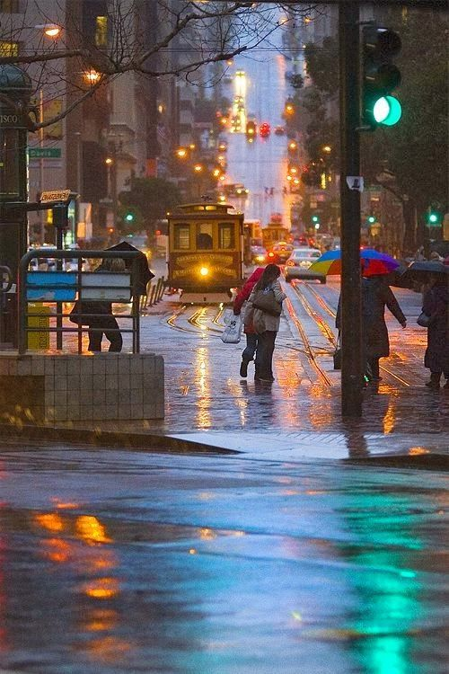 Cable Car In The Rain San Francisco California Places To Go Around The Worlds