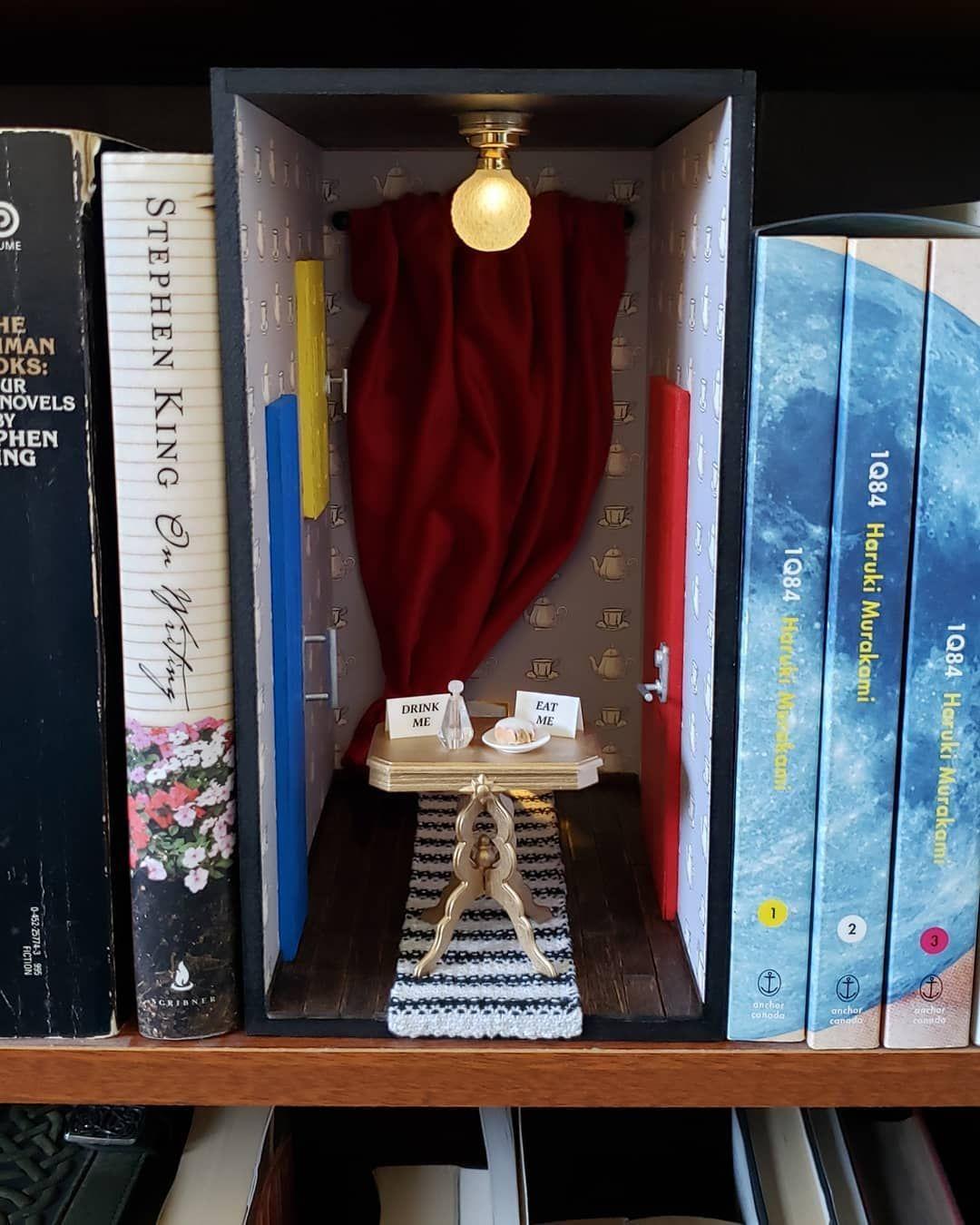 Alice In Wonderland Book Nook By Nasus Miniatures Alice In Wonderland Book Book Nooks Alice Book