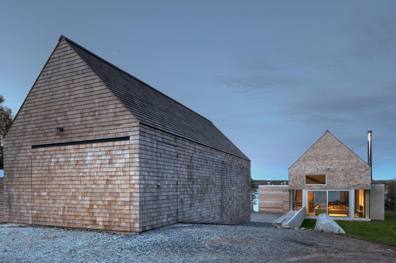 Best Cedar Shingles Cascading Down A Modern Courtyard House 640 x 480