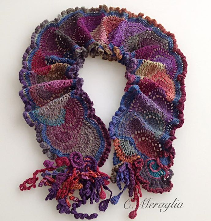 Faye Kolb Hartzler shared Cécile Meraglia's photo on CCC - variation on Queen Anne's Lace Scarf - http://www.ravelry.com/patterns/library/queen-annes-lace-scarf-5