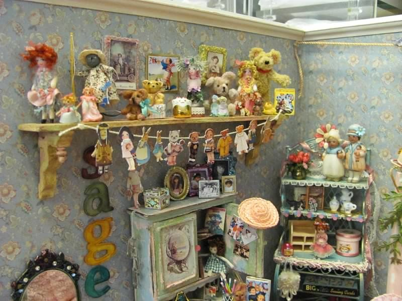 Miniatures by Sandra - Roombox by Denise.