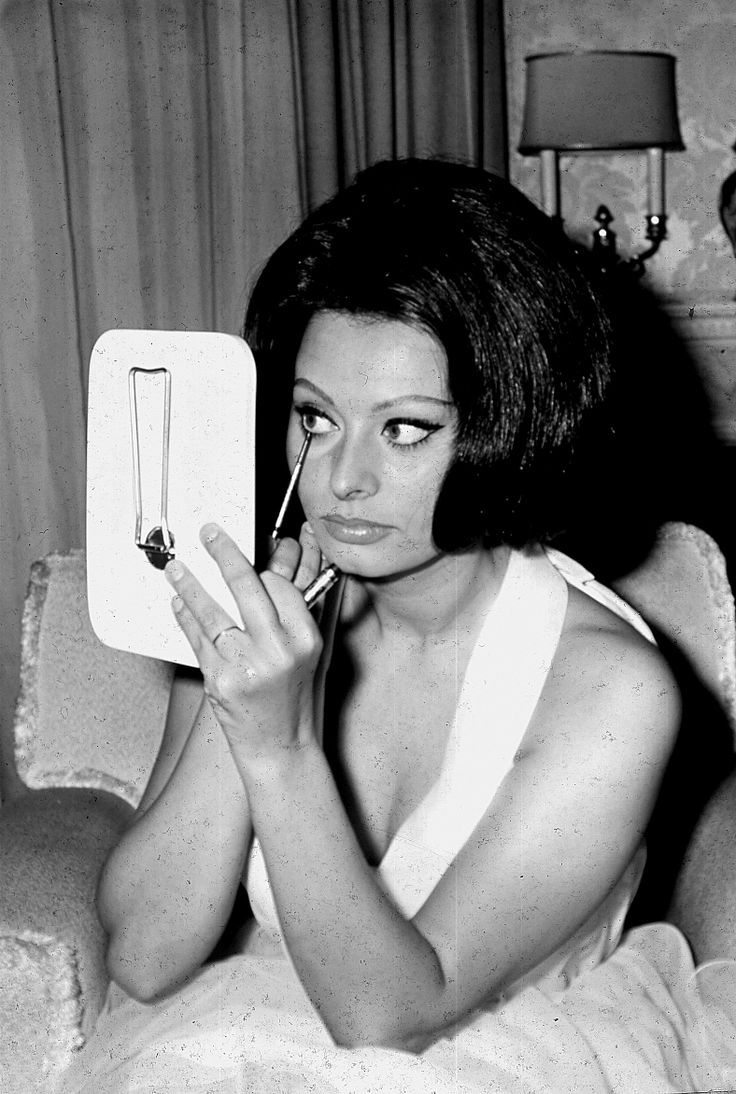 Liz Sophia Nude Photos 68