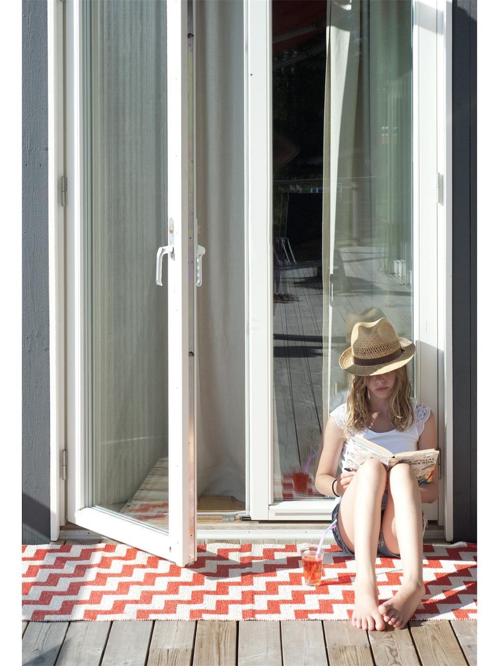 kunststoff in outdoor l ufer gunnel rot skandinavische teppiche pinterest benuta. Black Bedroom Furniture Sets. Home Design Ideas