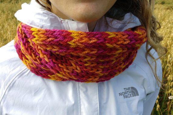 Foulard infini rose orange et jaune par GTricots sur Etsy
