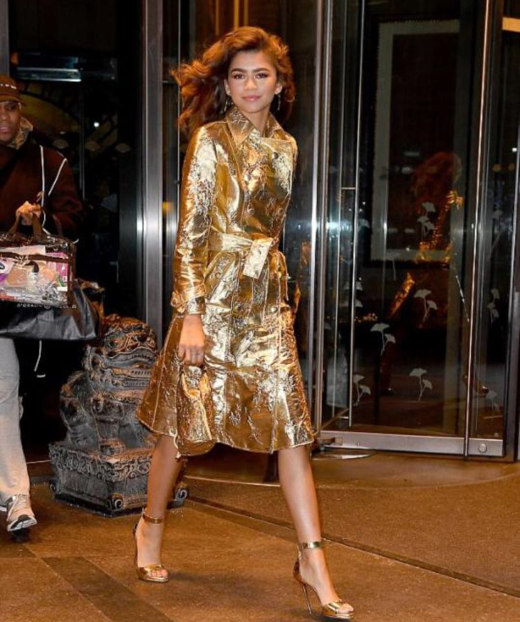 fb181cd7d3 Pin by Gigi Lessard on Celebrity Fashion in 2019